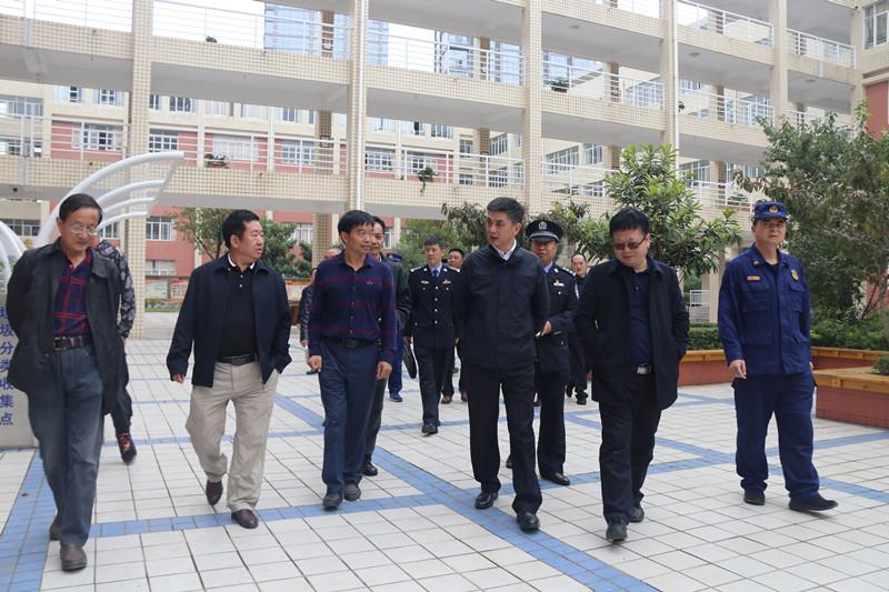 杨建军副市长一行到昭阳区检查新中国成立70周年大庆安保维稳工作