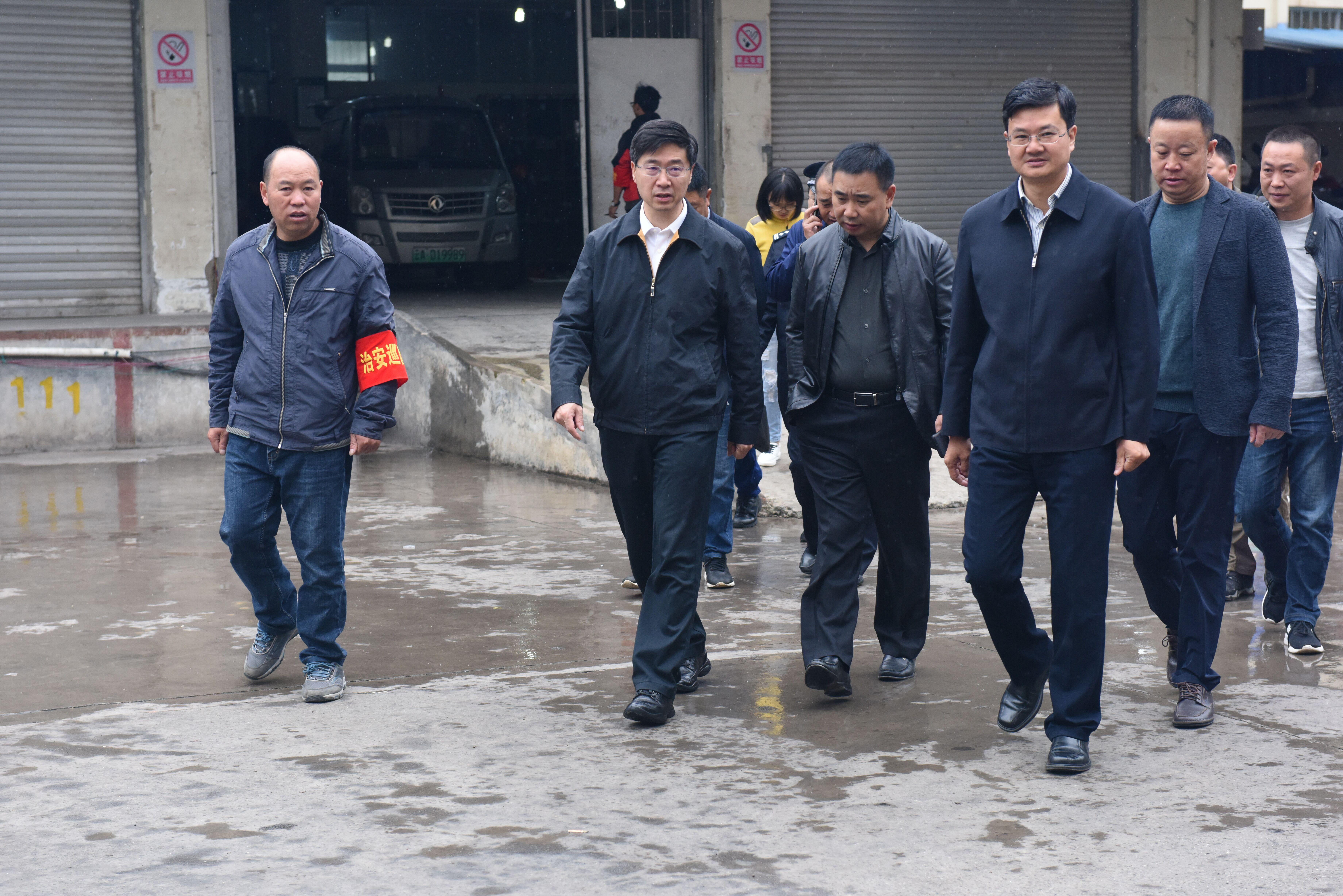 罗朝峰带队到昭阳区检查大庆安保情况